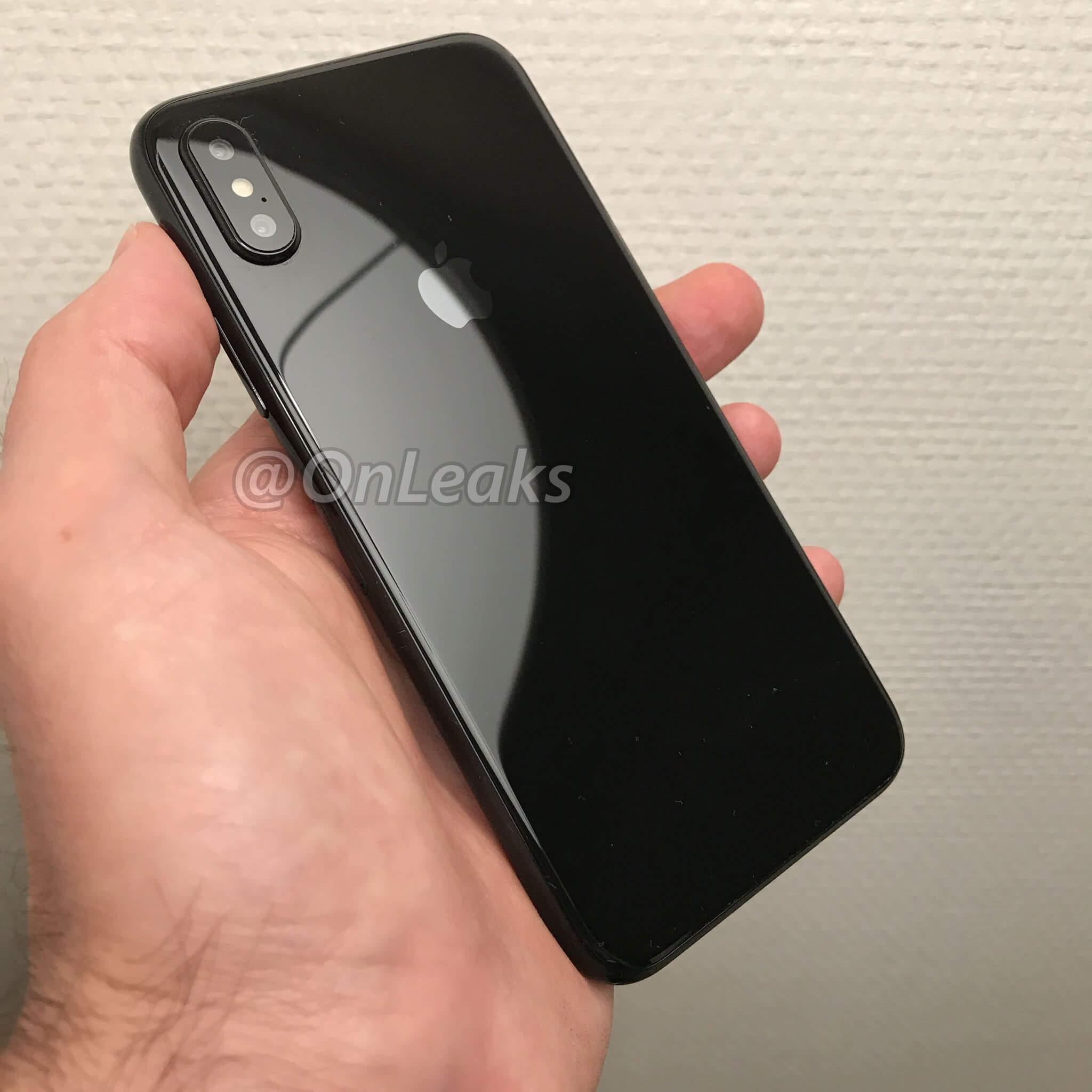 iPhone 8 拿在手上會是怎樣的感覺?用實體模型機給你看