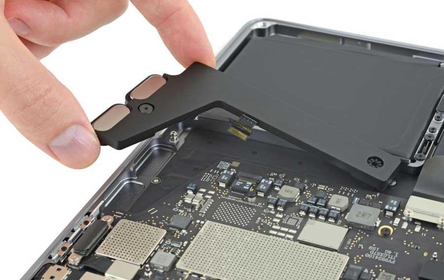 2019 年 13吋 MacBook Pro 全悲劇,無法自行更換 SSD 和記憶體3
