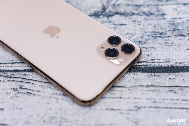 iPhone 11 Pro Max 金色開箱4
