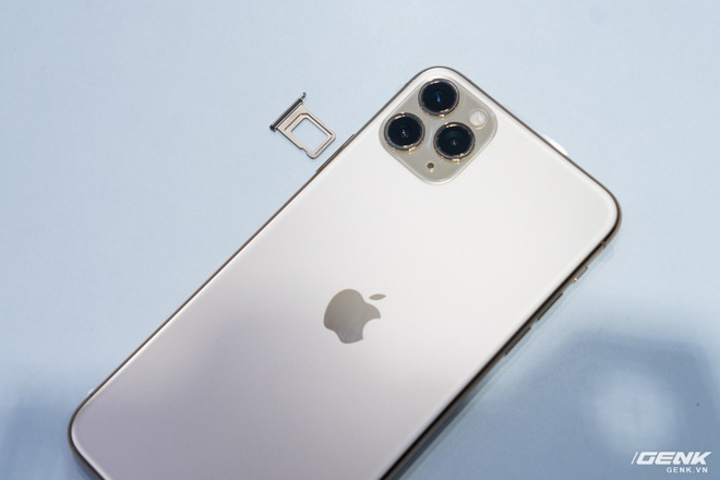 iPhone 11 Pro Max 金色開箱8