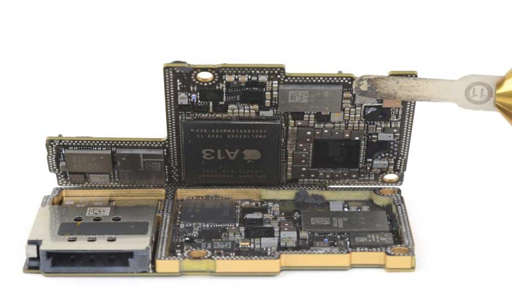 iPhone 11 Pro Max 拆解報告出爐:新型L大電池、雙主機板更小10