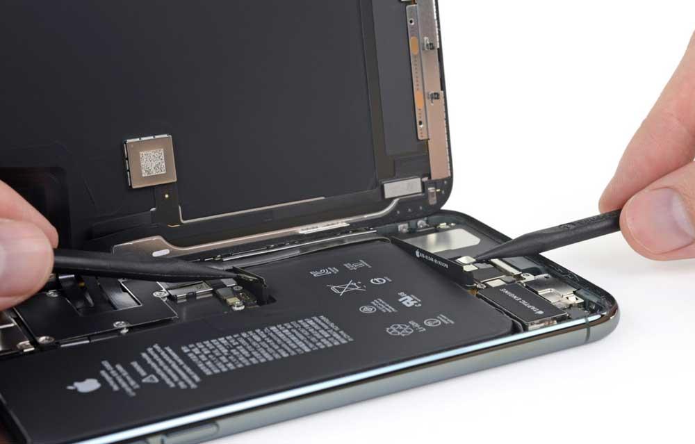 iPhone 11 Pro Max 拆解報告出爐:新型L大電池、雙主機板更小4