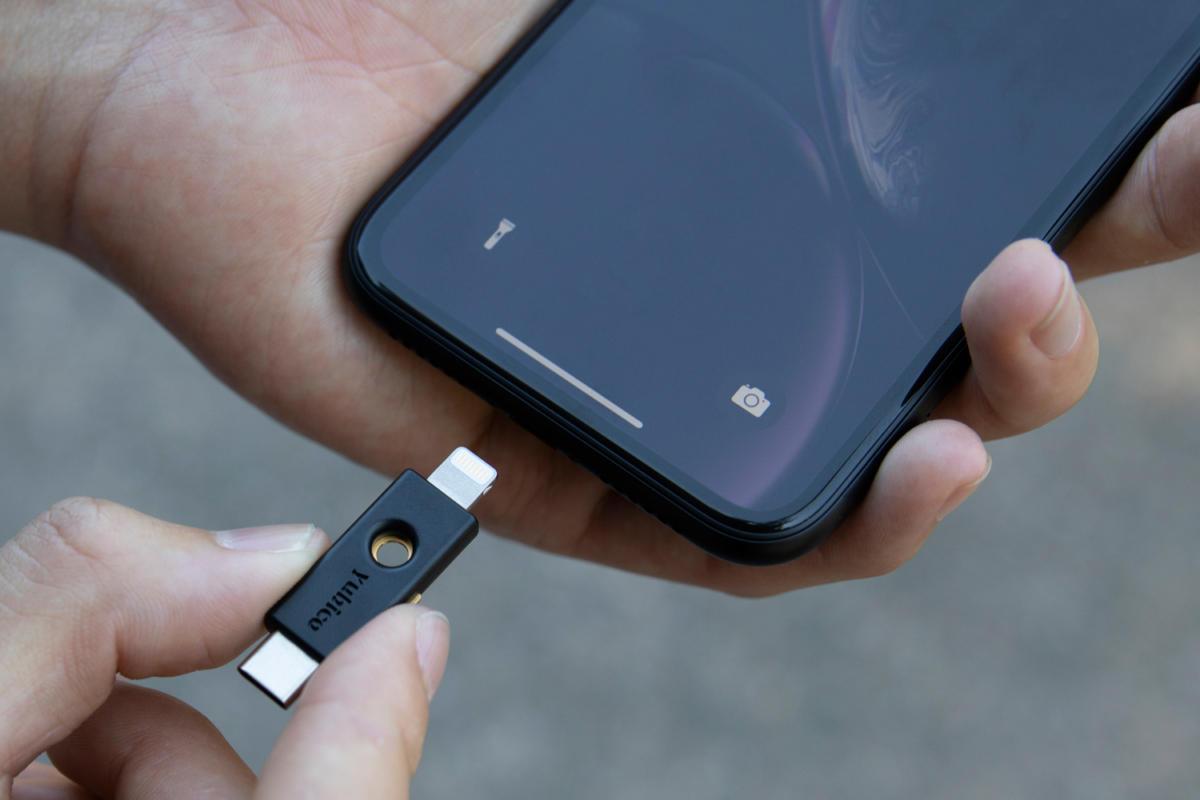 iOS 13.3 替Safari支援NFC、USB和Lightning FIDO2安全金鑰