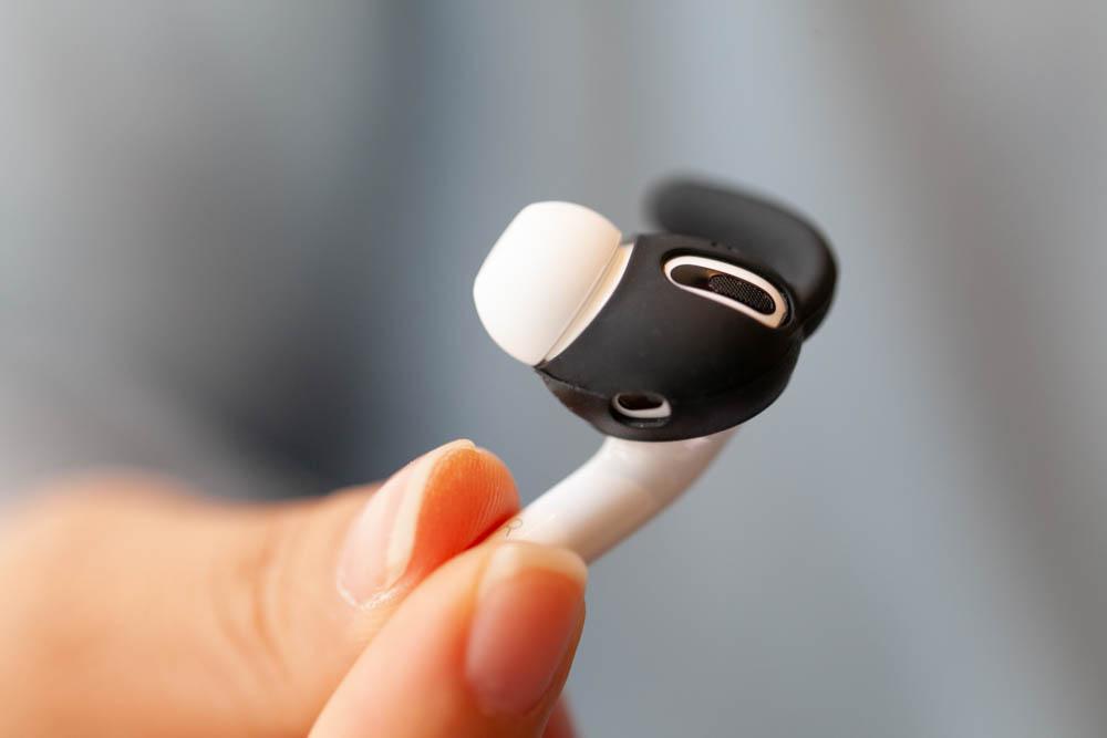 AirPods Pro耳機套開箱,出門運動靠AHAStyle加強防鬆脫