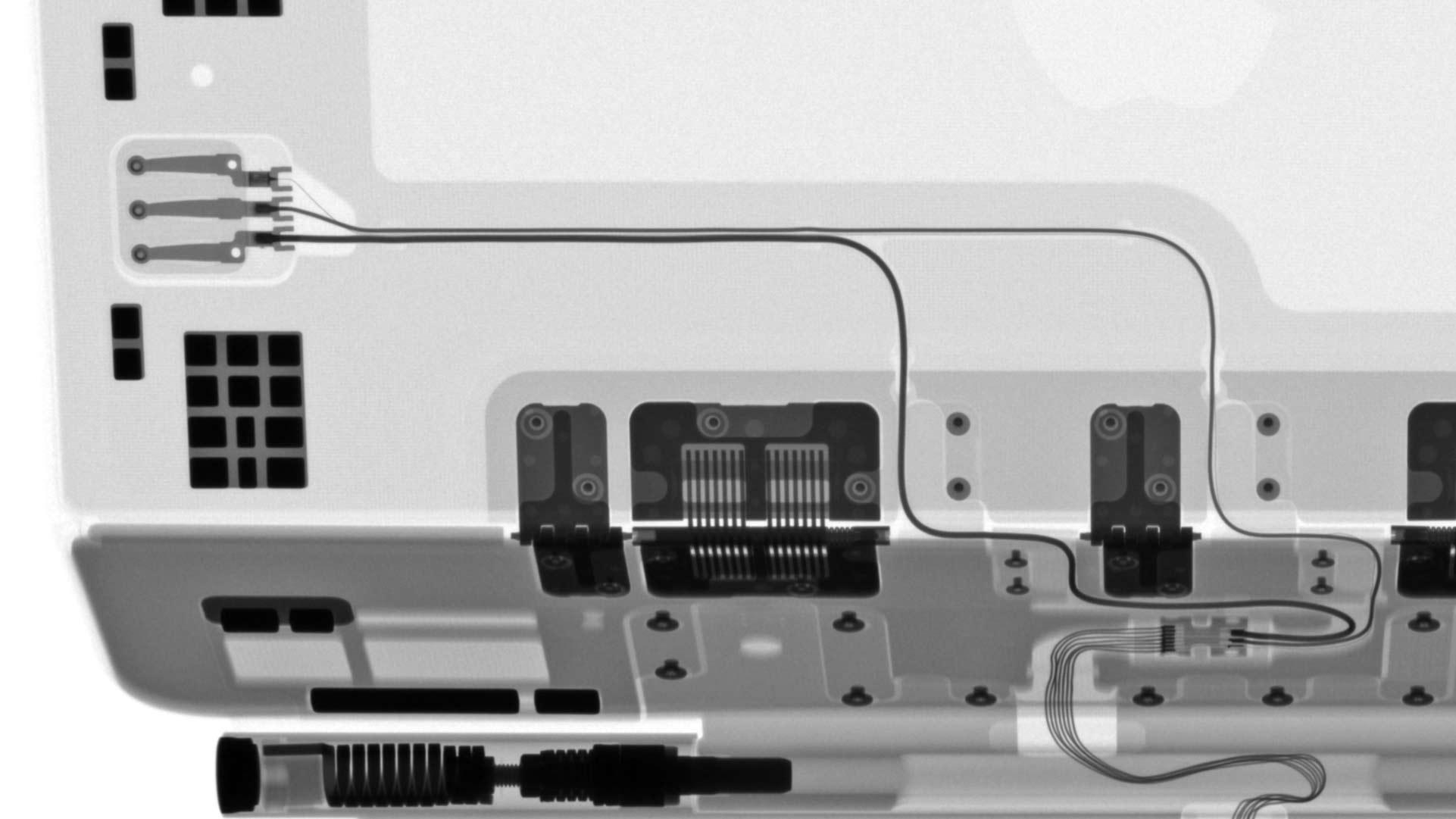 iPad Pro巧控鍵盤X光照片USB-C