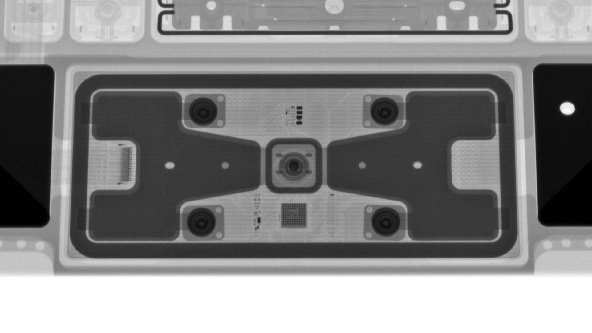 iPad Pro巧控鍵盤X光照片觸控板
