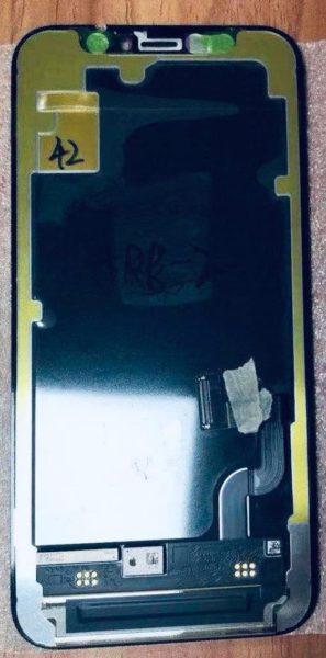 Mr.white 流出一塊宣稱是 iPhone 12 的 OLED 螢幕