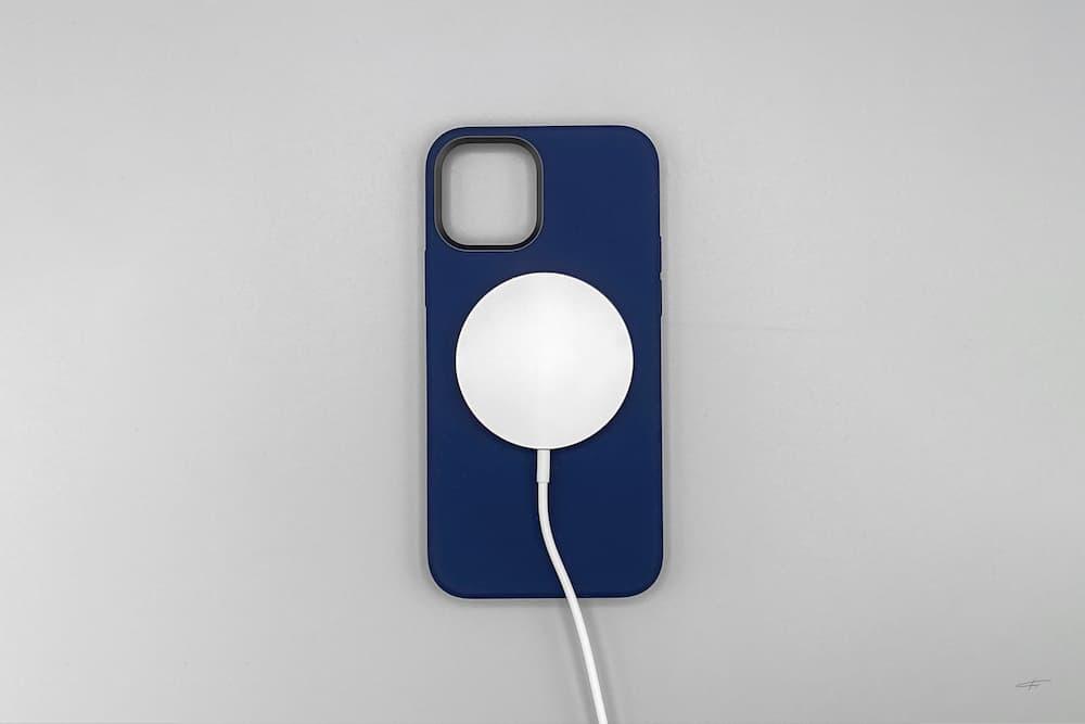 蘋果 MagSafe 充電器和保護殼開箱8