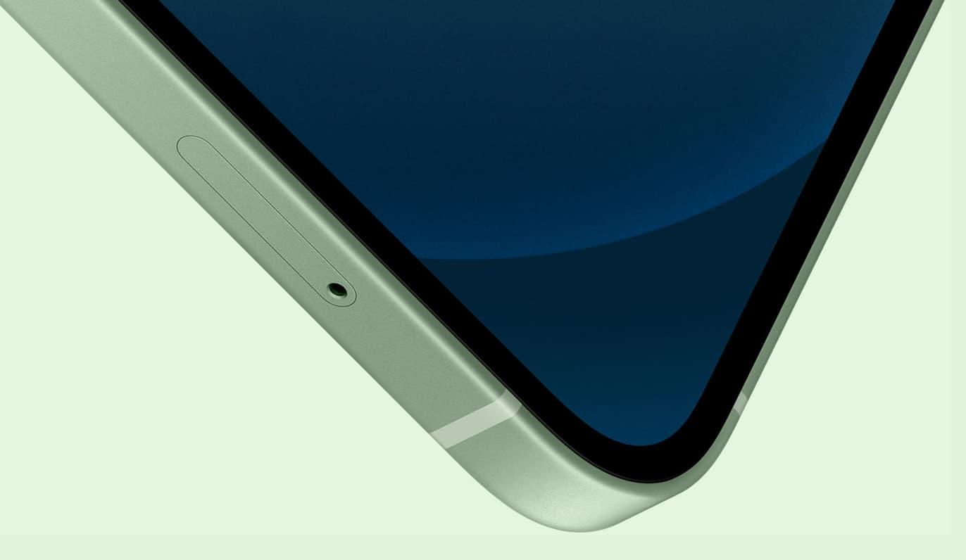 OLED 螢幕(超瓷晶盾面板)更耐刮、尺寸大改