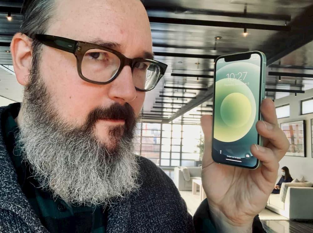 iPhone 12 mini 真的很迷你