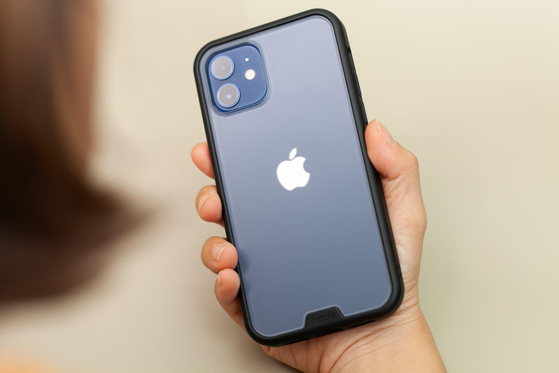 Hoda 柔石、晶石 iPhone 12 手機殼開箱,藍色款救星降臨18