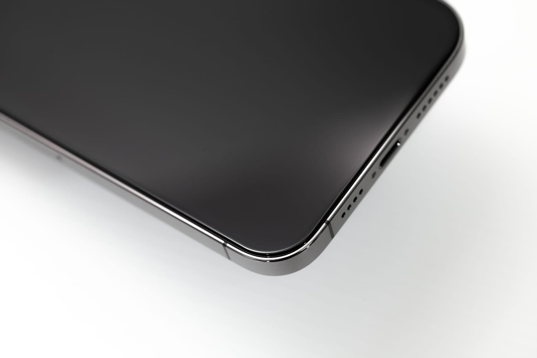 iPhone 12 貼完 hoda 保護貼效果1