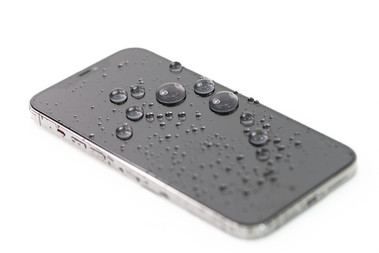 iPhone 12 貼完 hoda 保護貼效果5