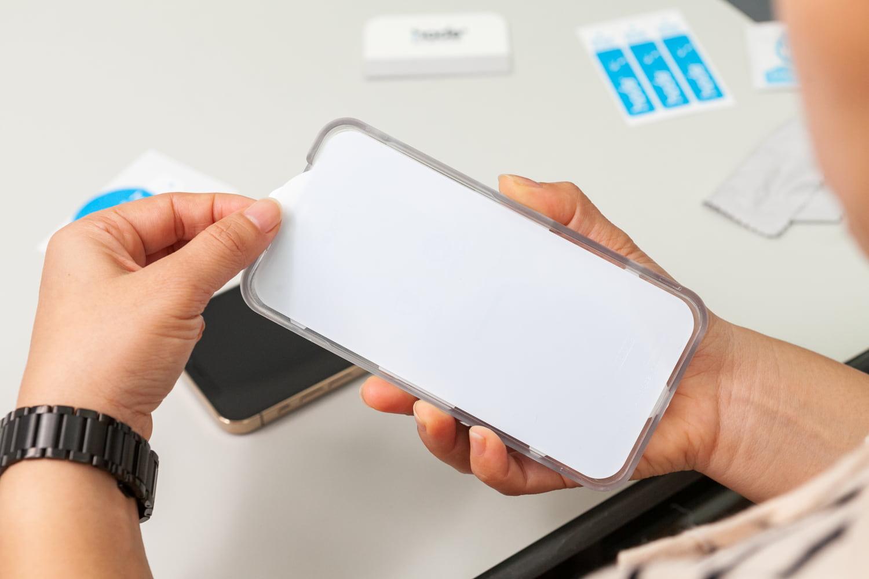 iPhone 12 hoda 藍寶石保護貼開箱12