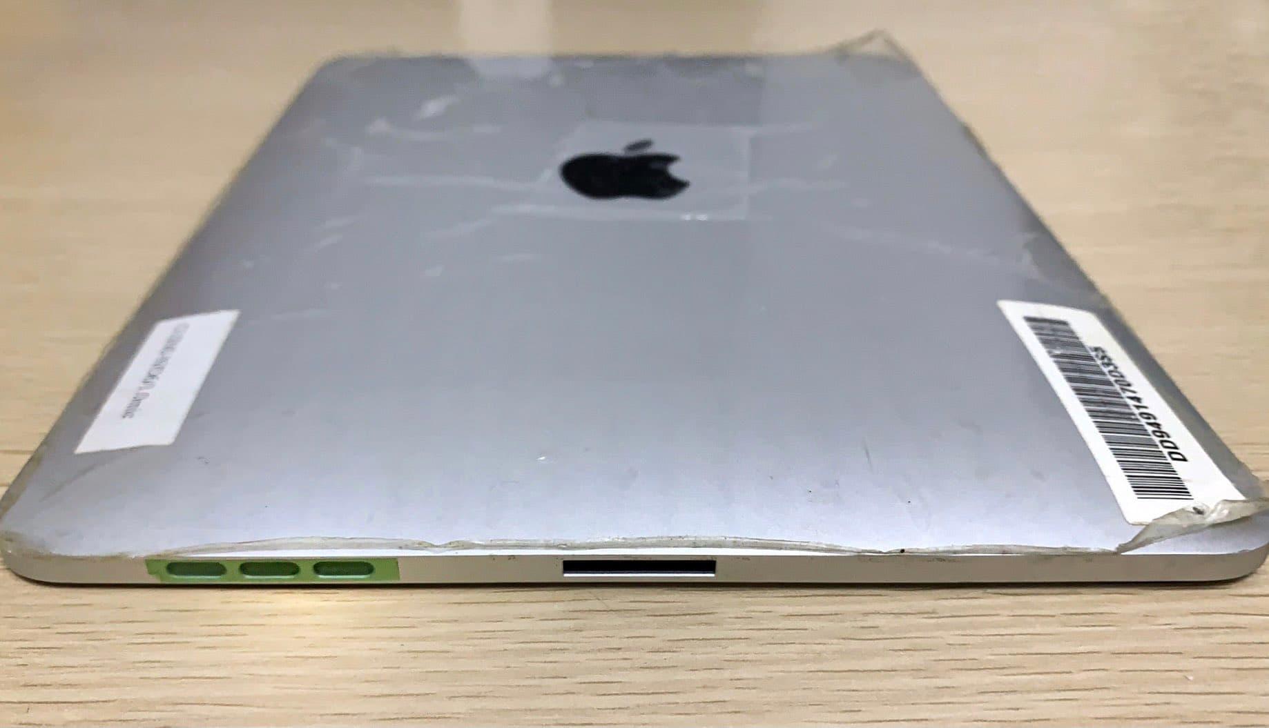第一代iPad原型機曝光,證實蘋果曾考慮用雙充電孔設計