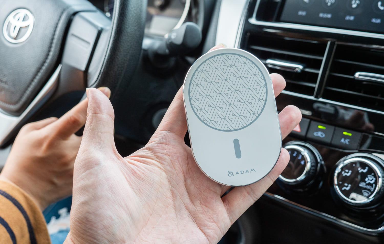 亞果 OMNIA C2 車用磁吸快充分享