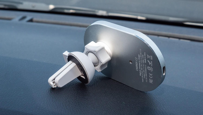 亞果 OMNIA C2 車用磁吸快充分享1