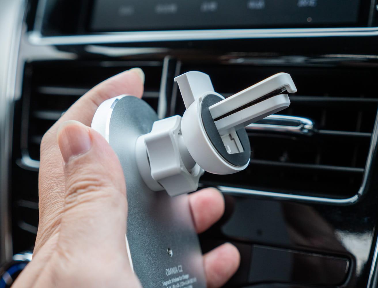 亞果 OMNIA C2 車用磁吸快充分享2