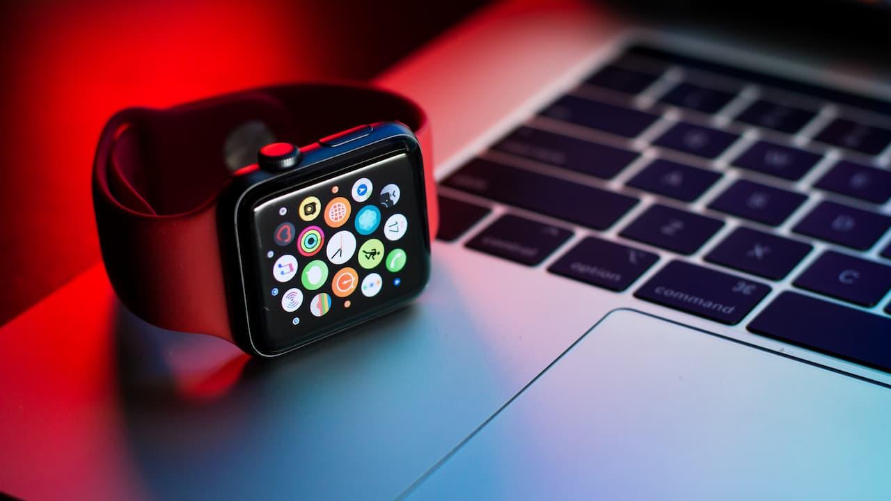 Apple Watch Series 7 五個明顯更新:窄邊框、壓層技術
